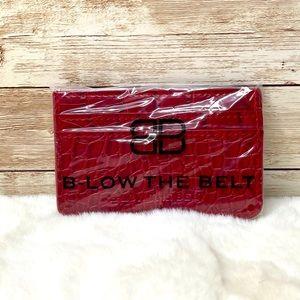 🌺NWT🌺🌸 B-Low The Belt Croc Card Case🌸